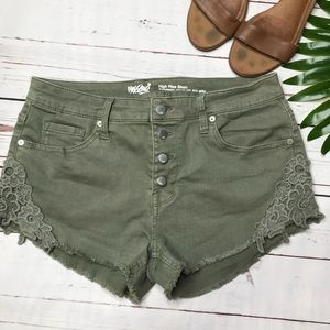 {Mossimo Supply Co} sz 12 high waist cut off short